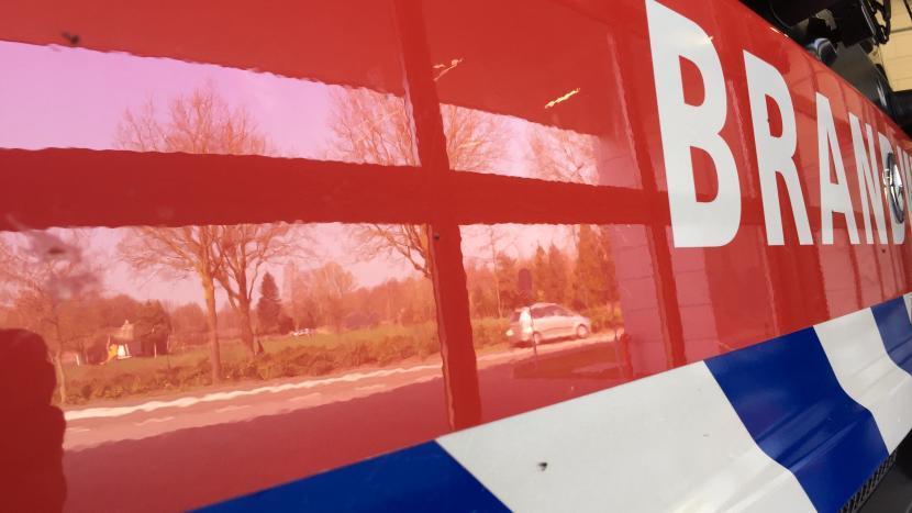 De motorkap van de brandweerwagen van brandweer Son en Breugel