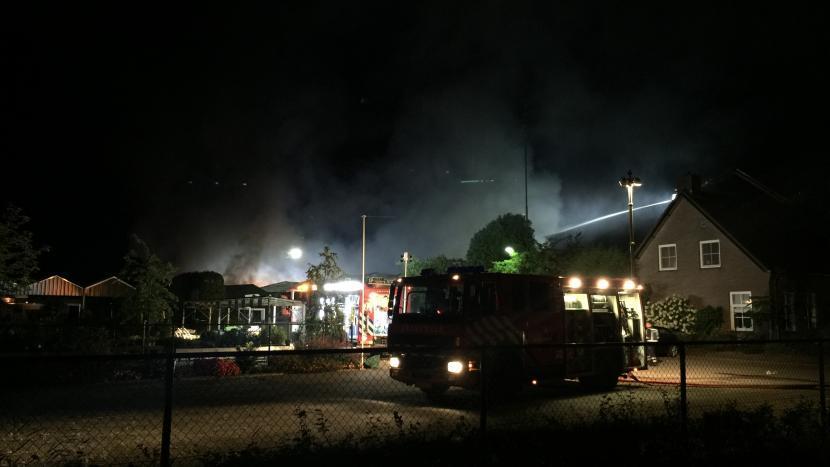 Loods kwekerij brandt uit in Nuenen