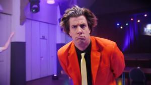 Snollebollekes zet in zijn nieuwste videoclip het Vestzak op stelten