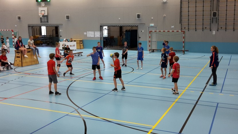 Schoolhandbal handbalvereniging Apollo groot succes