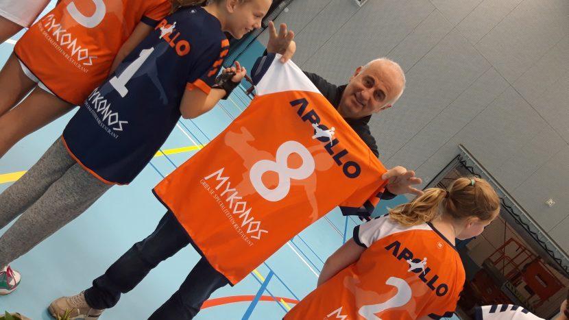 Mykonos gaat van ei tot shirtsponsor voor handbalvereniging Apollo