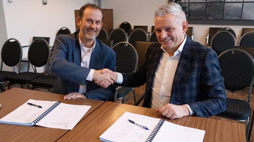 Ondertekening aannemingsovereenkomst bouw nieuw gemeentehuis