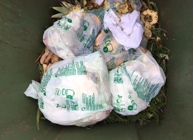 Gebruik composteerbare plastic zakken in GFT-container toegestaan