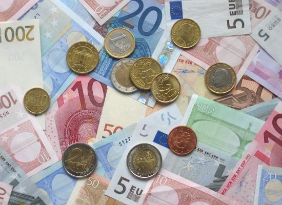 Achterban Stichting Kunstgras HTC Son brengt 2.687 euro bij elkaar