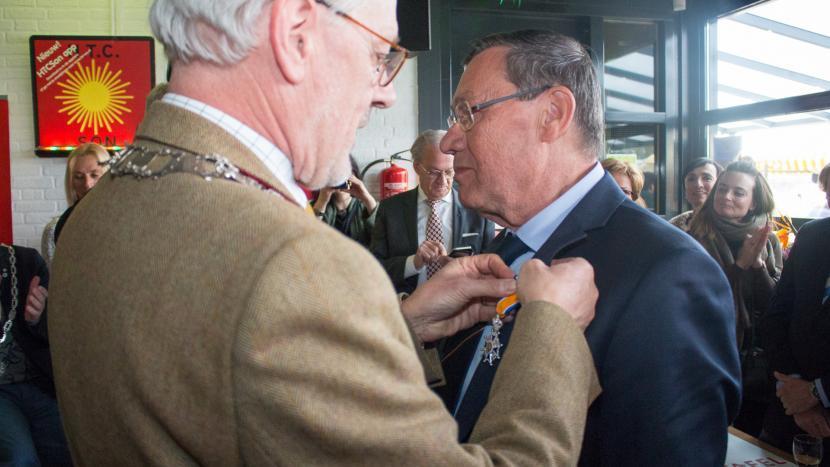 Koninklijke onderscheiding uitgereikt aan Frans van Vught