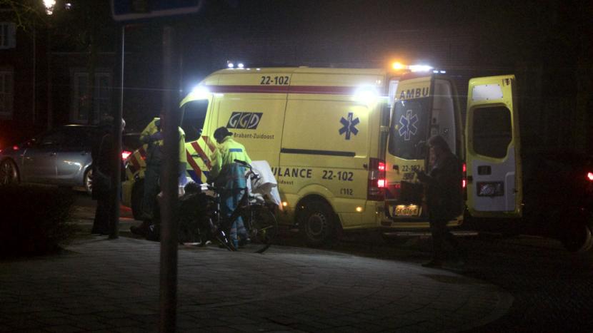 Vrouw in ochtendspits afgevoerd naar ziekenhuis na ongeval