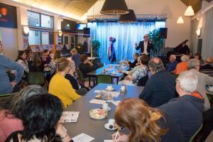 Mantelzorgers getrakteerd op muzikaal avondje uit in Vestzak
