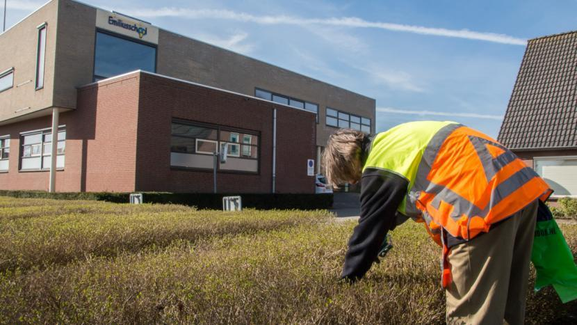 Het dorp is weer een stukje schoner door de Week van Nederland Schoon