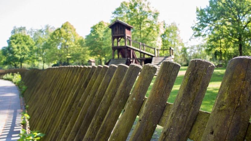 Het hek van het hertenkamp