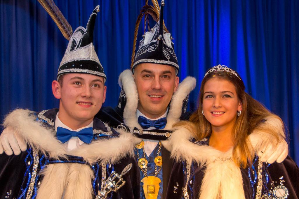 Prins Calvin Lenting en prinses Rachelle Lenting samen met prins Jarno Jurjus
