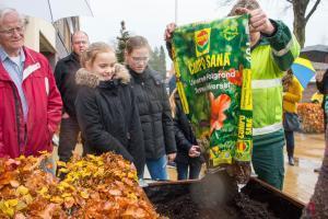 De Sonnewijzer maakt dorp groener met speciale plantenbakken