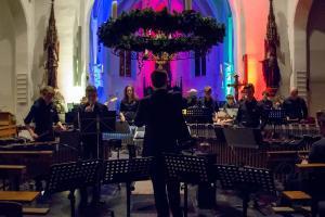 Sfeervol kerstconcert van malletgroep harmonie in Sint Genovevakerk