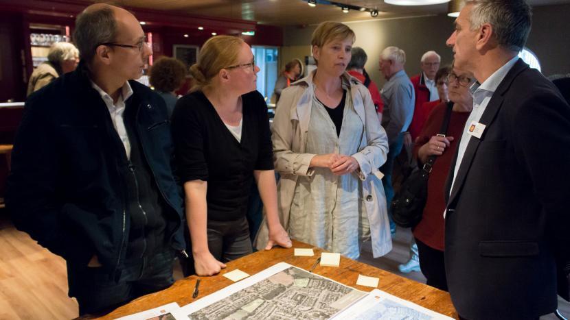 Bewoners uit Breugel in gesprek met wethouder Jos de Bruin