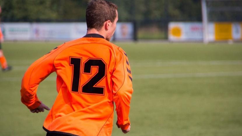 Een voetballer van SBC