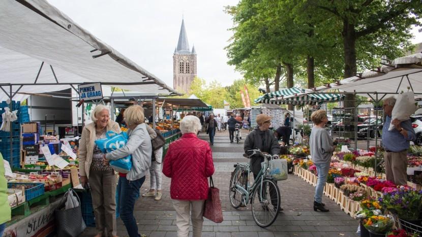 Een rondje over de vernieuwde weekmarkt