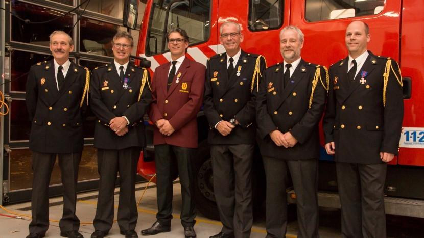 Zes bijzondere brandweerlieden in het zonnetje gezet