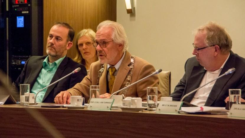 Dorpsbelang draagt Eef van Turnhout voor als vervangend wethouder