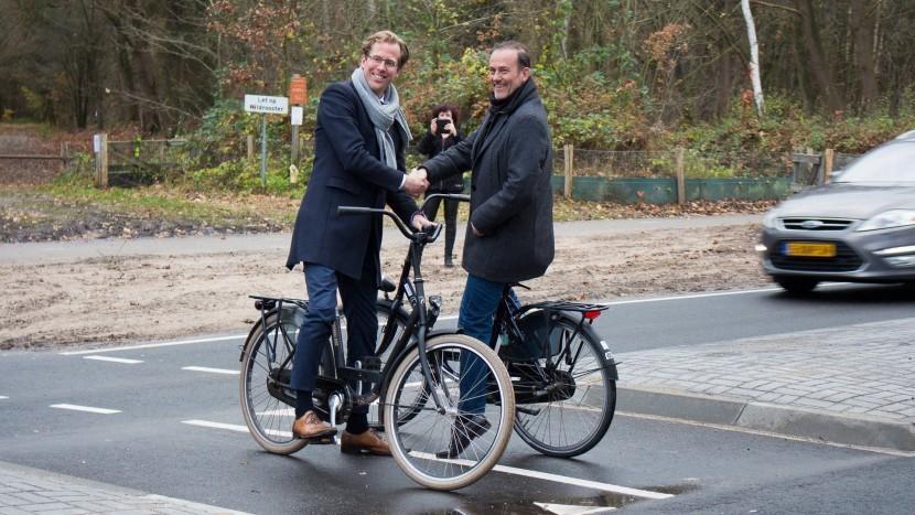 Gemeente schort overeenkomst fietsoversteek Dutmellapad vooralsnog op