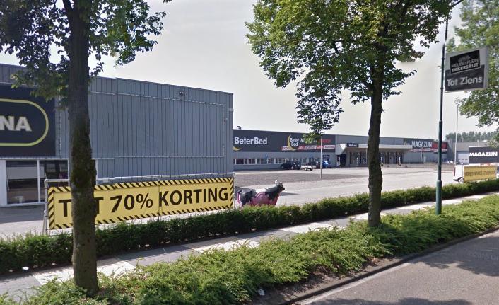Verkoop kleding van restanten webshop V&D op Ekkersrijt niet toegestaan