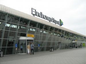 Eindhoven Airport en Ryanair testen klimprofielen, vragen om ervaringen
