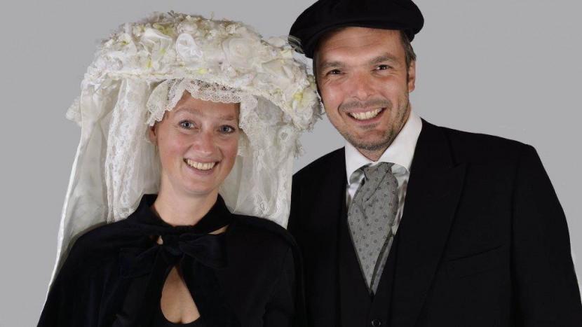 Stuur je felicitatie aan het boerenbruidspaar Vera en Ted