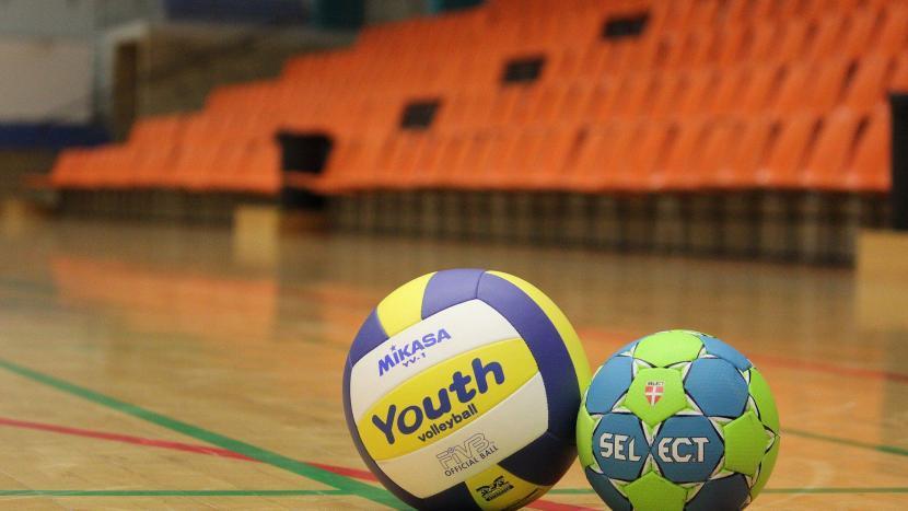 sportuitslagen voetbalvereniging SBC en handbalvereniging Apollo