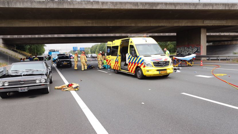 Persoon overleden na ernstig verkeersongeval op A50