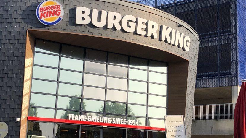 De gevel van Burger King op Ekkersrijt