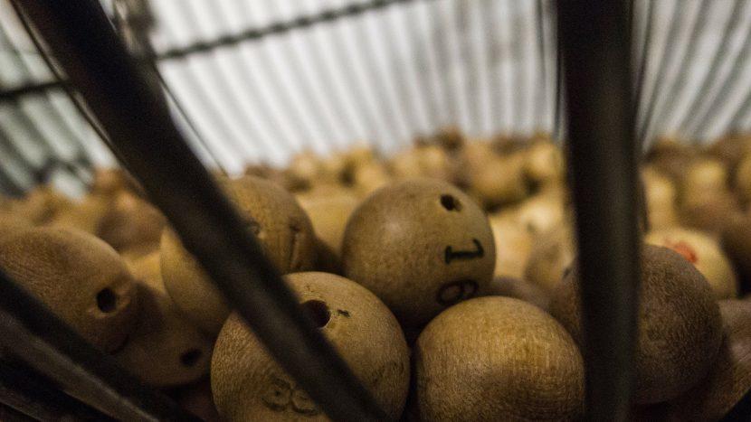 bingoballen in een bingomolen