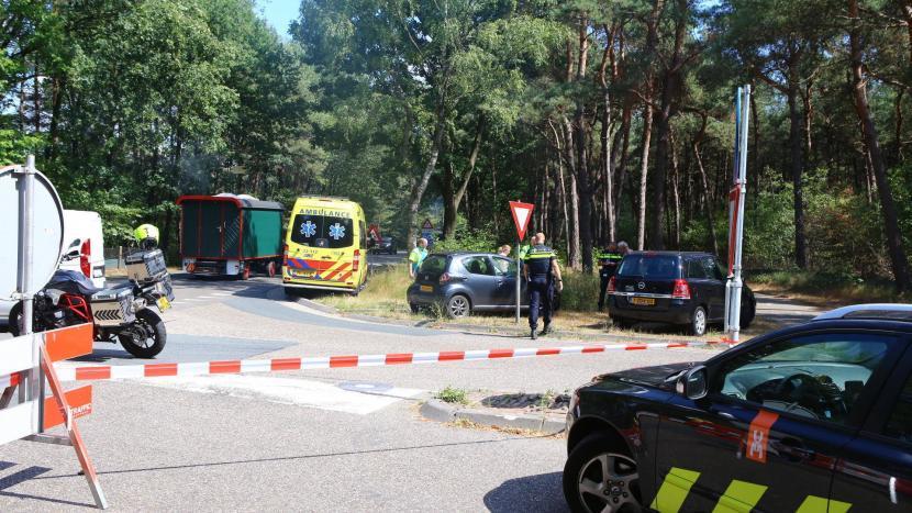 Auto's botsen op kruispunt Bestseweg/Hoberglaan, niemand gewond