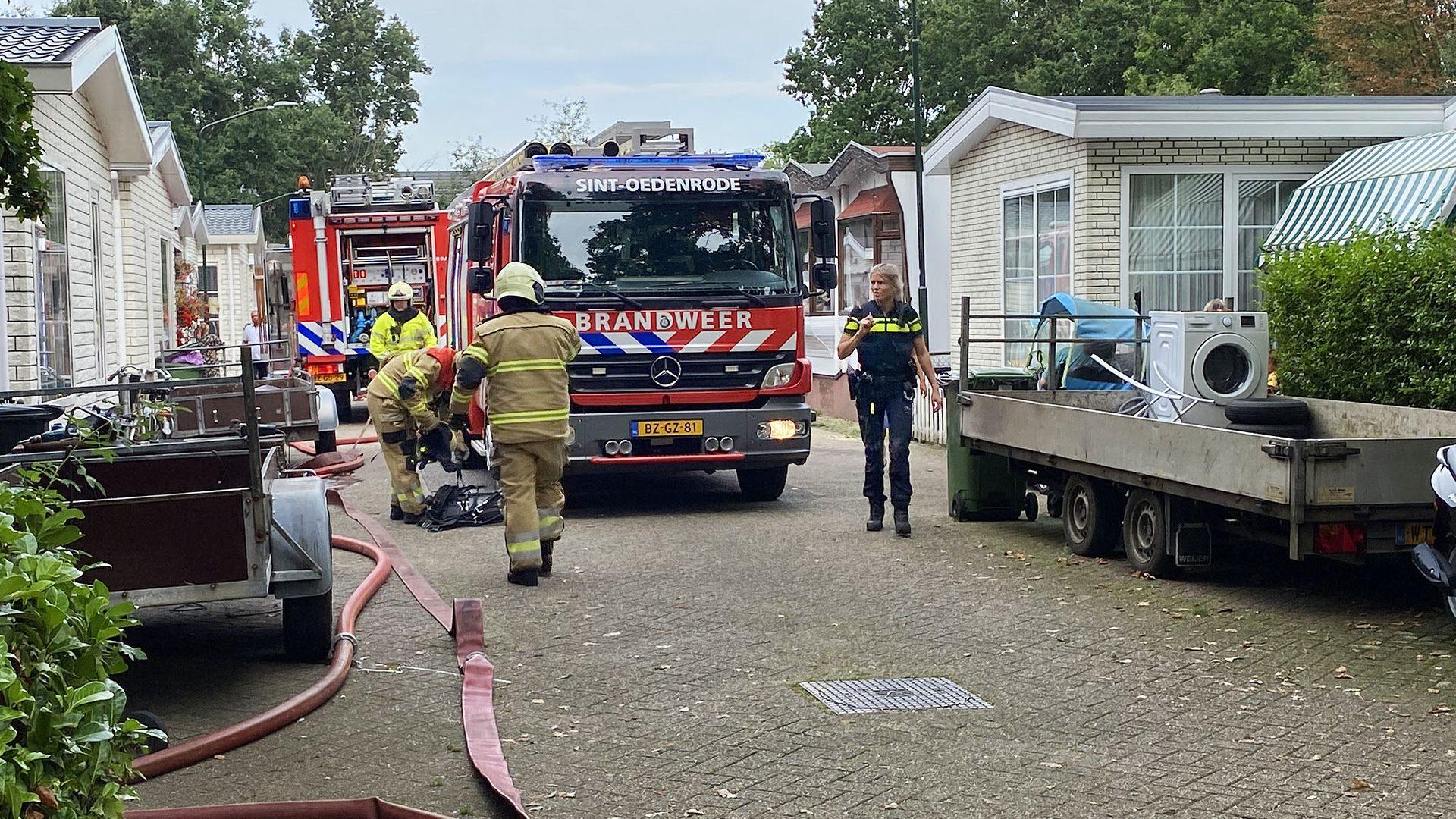Brandweerwagen op de Eemshof