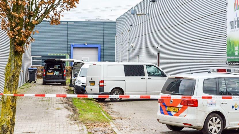 Dode man in auto aangetroffen op Ekkersrijt