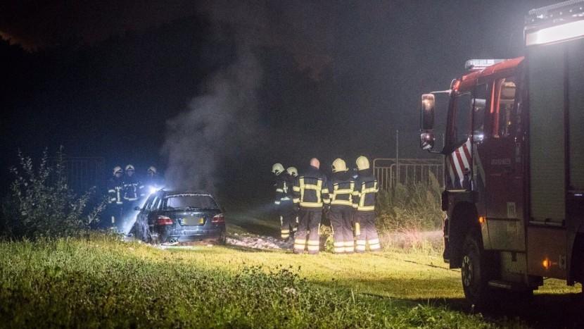 Mogelijke vluchtauto schietpartij Best uitgebrand in 't Zand