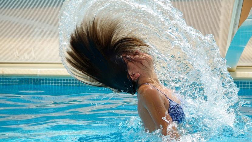 Zwembad dreigt kopje onder te gaan