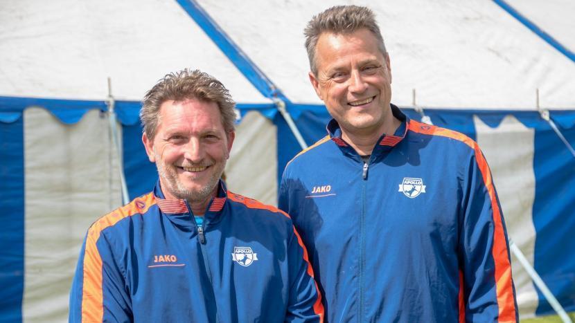 Trainers/coaches Wim Pluym en Frank Kolen van handbalvereniging Apollo
